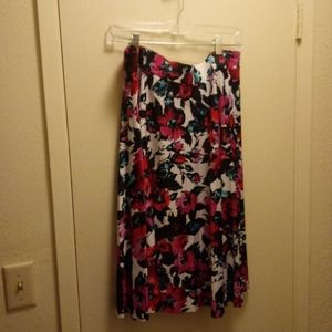 Skirt with Beautiful Floral Pattern size XL